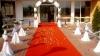 Absolventele din Chişinău au venit la bal, îmbrăcate ca pentru covorul roşu