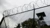 Doi condamnaţi au evadat din închisoare şi s-au pus pe tâlhării