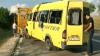 Microbuz implicat în accident. Trei ambulanţe, la faţa locului VIDEO