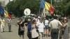 Proteste anti-Ponta la Chişinău! Zeci de oameni s-au adunat pentru a-l susţine pe Băsescu VIDEO