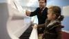 Are numai trei ani, dar a reuşit deja să susţină primul său concert live cântând la pian