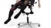 Un doctor elveţian a creat scaunul care te face mai fericit la muncă FOTO