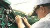 Surprize pentru mai mulţi copii orfani din Chişinău: Au învăţat să piloteze şi au luat prânzul la bordul avionului