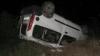 Maşină răsturnată pe şosea, pasagerul mort, şoferul beat FOTO