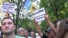 Angela Merkel, întâmpinată la Chişinău cu proteste VIDEO