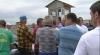 """Scandal """"cu iz de atac politic"""" în comuna Prajila. Sătenii au blocat accesul în gospodăria unui fermier"""
