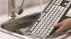 Logitech lansează o tastatură ce se poate curăţa sub un jet de apă