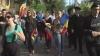 """(VIDEO) Circa 2.000 de participanţi la Marşul Unirii. Manifestanţii au scandat """"Două inimi româneşti, Chişinău şi Bucureşti"""""""