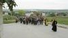 Pelerinaj spre Mănăstirea Sireţi: Sute de credincioşi au parcurs pe jos 16 km până la locaşul sfânt
