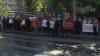 (VIDEO) Protest la poarta Ambasadei României: Basarabia nu este a românilor, ci a Moldovei