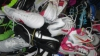 Contrabandă cu haine la vama Leuşeni. Moldovenii aduceau marfa din Italia