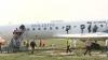 Accident aviatic simulat: Aeronavă în flăcări şi pasageri răniţi