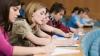 Aproape o mie de studenţi, care au intrat în acest an la facultăţile din Moldova, au plecat peste hotare