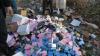 Parfumuri de două milioane de lei, distruse cu buldozerul. Cine le-a făcut ţăndări şi de ce