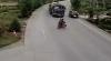 Accident şocant! Două persoane pe o motocicletă, SPULBERATE de un camion VIDEO