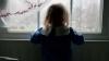 Şi-a transformat fiica invalidă în prizonieră: O bătea şi o ţinea închisă în cameră, fără hrană şi apă