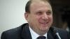 Un fermier s-a plâns ministrului Agriculturii că mulge greu vacile. Cum a reacţionat Vasile Bumacov