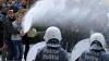 A doua zi de proteste la Bruxelles: Fermierii au scăldat oraşul în lapte