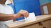 Moldovenii vor să aleagă deputaţii prin vot uninominal şi preşedintele în mod direct