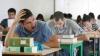 Moldovenii care învaţă pe banii statului, obligaţi să achite despăgubiri, dacă nu se întorc în ţară să muncească