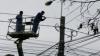 Peste 20 de localităţi au rămas fără lumină. VEZI raioanele afectate de condiţiile meteo nefavorabile
