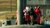 Crăciunul dezvoltă imaginaţia: Într-un oraş american, Moş Crăciun a venit cu un submarin
