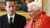 Papa Benedict al XVI-lea l-a graţiat pe fostul său majordom