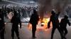 Violenţe în Egipt: Oamenii au aruncat cu pietre în poliţişti şi au scandat lozinci antiguvernamentale VIDEO