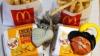 PREMIERĂ! McDonald's schimbă jucăriile din meniul copiilor pe CĂRŢI