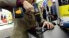 INCREDIBIL! Vezi ce a descoperit o femeie când a încercat să-şi găurească iPhone-ul cu bormaşină