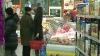 Perioada sărbătorilor de iarnă, profitabilă pentru comercianţii de băuturi alcoolice, produse  alimentare, bijuterii şi telefoane mobile