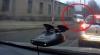 Cu microbuzul pe trotuar, pentru a nu sta în ambuteiaj (VIDEO)