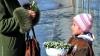 Afacere ilegală pe marginea drumului, cu flori incluse în Cartea Roşie VIDEO