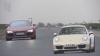 Audi R8 V8 şi Porsche 911 Carrera 4S se duelează pe circuit VIDEO