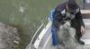 (VIDEO) Vânătoare de braconieri pe malul lacului. Moldovenii nu vor să renunţe la pescuitul ilegal