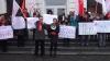Protest în faţa ANRE. Socialiştii sunt nemulţumiţi de scumpirea carburanţilor
