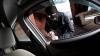 Fostă autoritate criminală, reţinută în Capitală după ce a furat dintr-o maşină VIDEO