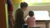 """""""Unii moldoveni îşi abandonează copiii în străinătate, pentru că nu au bani să-i întreţină"""""""