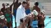 Michael Phelps le-a oferit o lecţie de înot unor tineri din Rio de Janeiro
