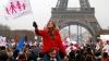 Mii de persoane au protestat la Paris faţă de legea care permite căsătoriile între homosexuali