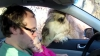 O fetiţă, la un pas de a fi mâncată de o cămilă, sub ochii părinţilor (VIDEO)
