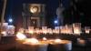 Zeci de lumânări au fost aprinse, la Arcul de Triumf din Capitală, în memoria victimelor evenimentelor din 7 aprilie 2009