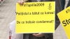"""(VIDEO) Protest în faţa sediului Direcţiei Poliţie Chişinău: """"Faceţi lumină în dosarele 7 aprilie!"""""""