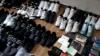 """Parfumuri, genţi, îmbrăcăminte şi încălţăminte de """"branduri internaţionale"""", confiscate în Capitală"""