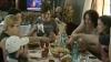 (VIDEO) Tot mai mulţi moldoveni sărbătoresc Paştele la pensiunile din ţară. Cu ce bucate alese îi răsfaţă gazdele pe oaspeţi
