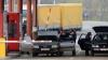 (FOTO) Un şofer s-a ales cu proces verbal când vameşii au deschis capota automobilului său
