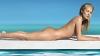 Kate Moss a renunţat la haine şi a pozat nud pentru o campanie publicitară