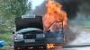 O maşină a luat foc sub privirile a zeci de oameni, în apropiere de satul Ocniţa (VIDEO)