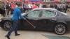 Un bolid italian, în valoare de 350.000 de euro, distrus cu ciocane (VIDEO)