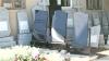 Sărbătorile pascale aduc bani grei în buzunarele firmelor funerare. Cât costă cele mai solicitate monumente